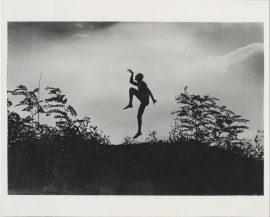 szabadban táncoló férfi (jenő öcsém), andré kertész
